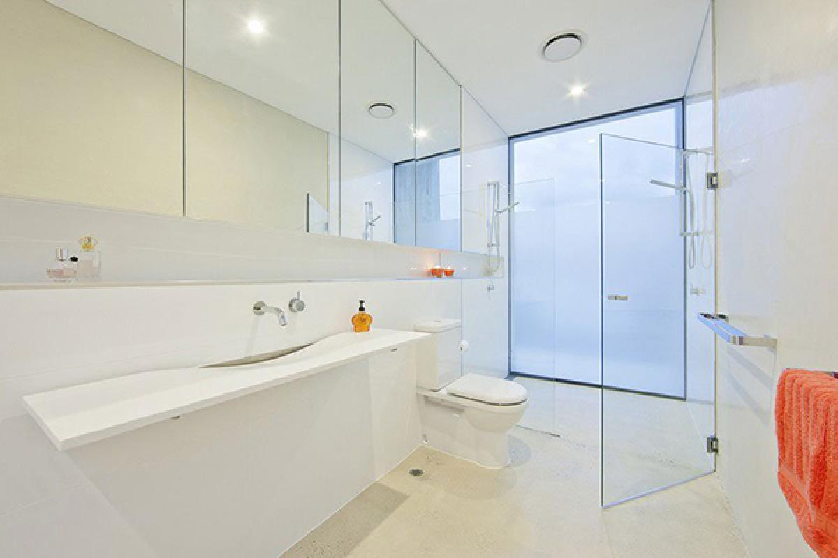 Cabine de dus din sticla securizata as glass Modern australian bathroom design
